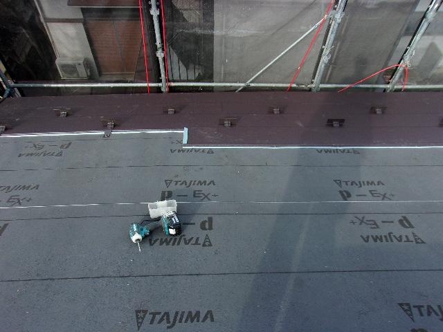 武蔵村山市:スーパーガルテクト、屋根葺き替え工事